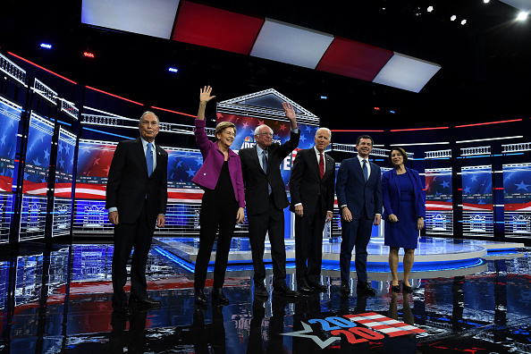 Mike Miller「Democratic Presidential Candidates Debate In Las Vegas Ahead Of Nevada Caucuses」:写真・画像(0)[壁紙.com]