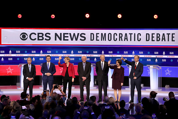 Charleston - South Carolina「Democratic Presidential Candidates Debate In Charleston Ahead Of SC Primary」:写真・画像(7)[壁紙.com]