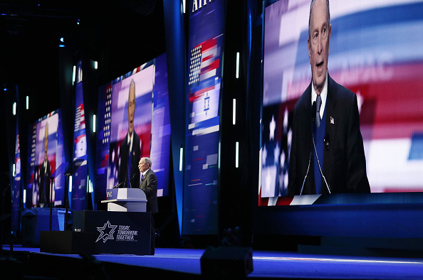 Super Tuesday「Democratic Presidential Candidate Mike Bloomberg Campaigns Ahead Of Super Tuesday」:写真・画像(9)[壁紙.com]