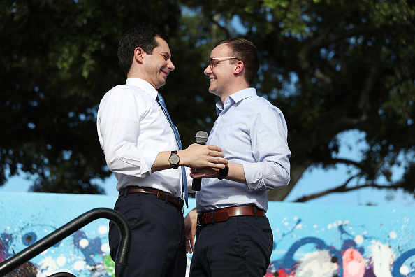 Husband「Presidential Candidate Pete Buttigieg Holds Grassroots Fundraiser In Miami」:写真・画像(1)[壁紙.com]