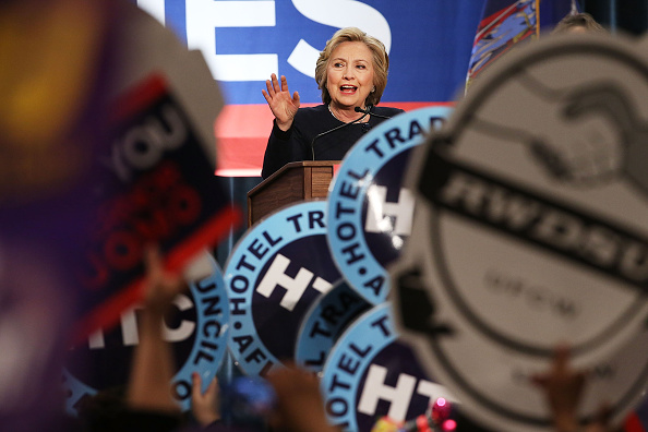 US Democratic Party 2016 Presidential Candidate「Hillary Clinton Joins NY Gov. Cuomo For $15 Minimum Wage Rally In NYC」:写真・画像(7)[壁紙.com]