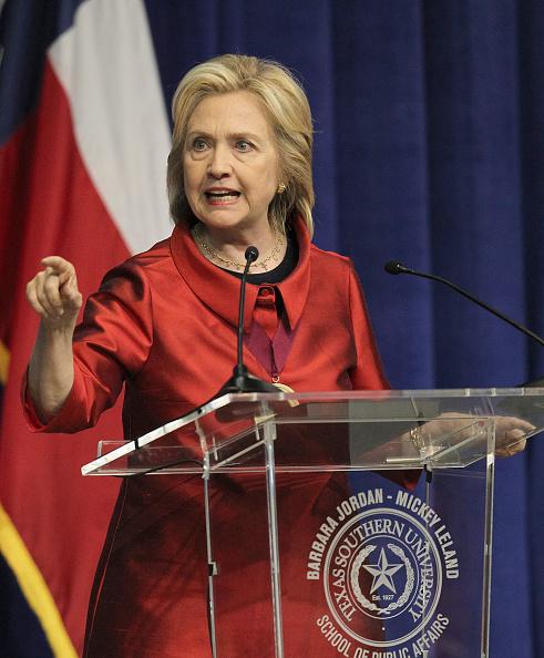 Texas Southern University「Hillary Clinton Attends The Barbara Jordan Inaugural Gold Medallion Leadership Award Ceremony」:写真・画像(14)[壁紙.com]