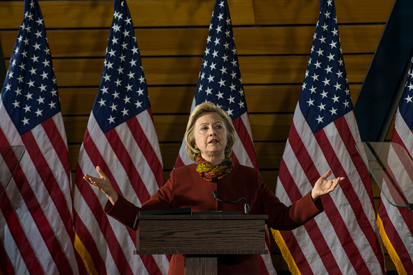 2016 United States Presidential Election「2016 Presidential Candidate Hilary Clinton Speaks about Terrorism at the University of Minnesota」:写真・画像(19)[壁紙.com]