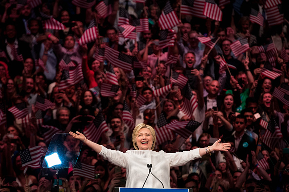 2016「Hillary Clinton Holds Primary Night Event In Brooklyn, New York」:写真・画像(2)[壁紙.com]