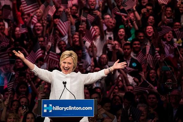 笑顔「Hillary Clinton Holds Primary Night Event In Brooklyn, New York」:写真・画像(14)[壁紙.com]