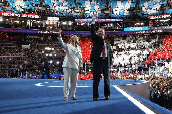 全身「Democratic National Convention: Day Four」:写真・画像(6)[壁紙.com]
