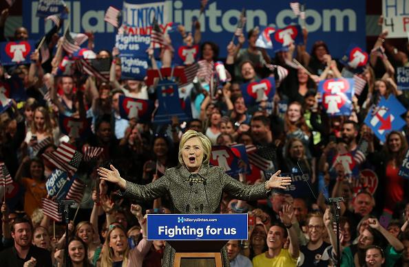 Politics and Government「Hillary Clinton Holds Pennsylvania Primary Night Event In Philadelphia」:写真・画像(11)[壁紙.com]
