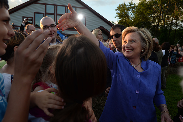 US Democratic Party 2016 Presidential Candidate「Hillary Clinton Campaigns In New Hampshire」:写真・画像(0)[壁紙.com]