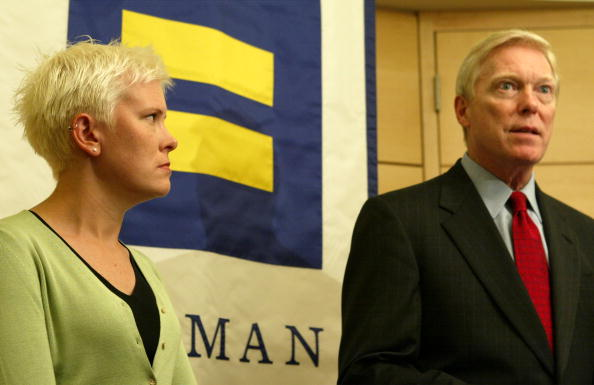 Patriotism「Human Rights Campaign Hosts Presidential Candidates In Forum On Gay Issues?」:写真・画像(8)[壁紙.com]