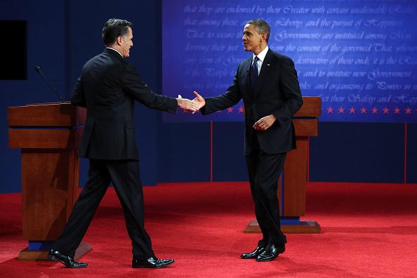 Hand「Obama And Romney Square Off In First Presidential Debate In Denver」:写真・画像(1)[壁紙.com]