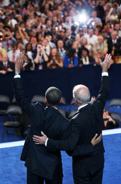 Receiving「Obama Accepts Nomination On Final Day Of Democratic National Convention」:写真・画像(13)[壁紙.com]