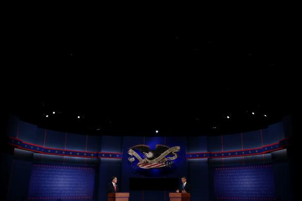 Win McNamee「Obama And Romney Square Off In First Presidential Debate In Denver」:写真・画像(8)[壁紙.com]