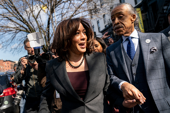 Drew Angerer「Democratic Presidential Candidate Sen. Kamala Harris Meets With Civil Rights Leader Al Sharpton In New York City」:写真・画像(0)[壁紙.com]