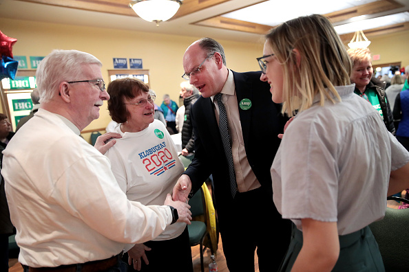 Husband「Democratic Presidential Candidate Sen. Amy Klobuchar Campaigns In Iowa Ahead Of State's Caucus」:写真・画像(19)[壁紙.com]