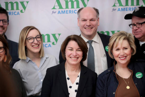 Democratic Presidential Candidate Sen. Amy Klobuchar Campaigns In Iowa Ahead Of State's Caucus:ニュース(壁紙.com)