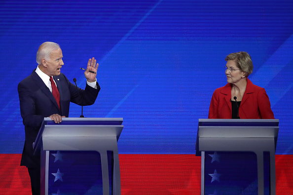 Win McNamee「Democratic Presidential Candidates Participate In Third Debate In Houston」:写真・画像(2)[壁紙.com]
