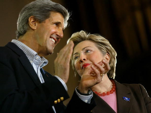 Public Speaker「Kerry Campaigns In New York City」:写真・画像(0)[壁紙.com]