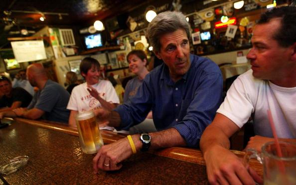 John Kerry「John Kerry Campaigns in Wisconsin」:写真・画像(11)[壁紙.com]