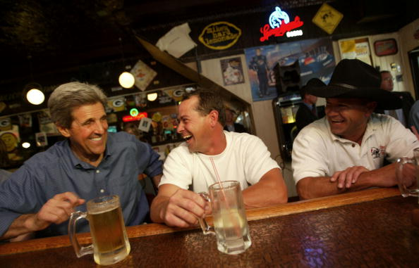 John Kerry「John Kerry Campaigns in Wisconsin」:写真・画像(10)[壁紙.com]