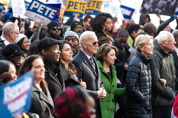 South Carolina「Democratic Presidential Candidates Attend MLK Rally At South Carolina Capitol Dome」:写真・画像(11)[壁紙.com]