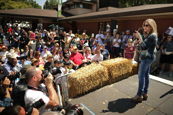 Chip Somodevilla「Presidential Candidates Hit The Soapbox At The Iowa State Fair」:写真・画像(18)[壁紙.com]