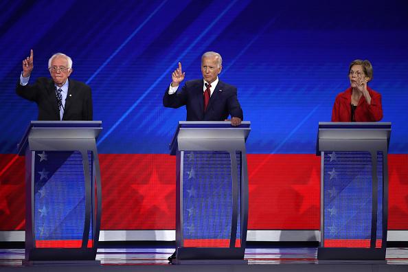 民主主義「Democratic Presidential Candidates Participate In Third Debate In Houston」:写真・画像(19)[壁紙.com]