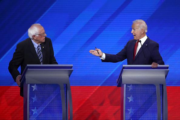 Win McNamee「Democratic Presidential Candidates Participate In Third Debate In Houston」:写真・画像(0)[壁紙.com]