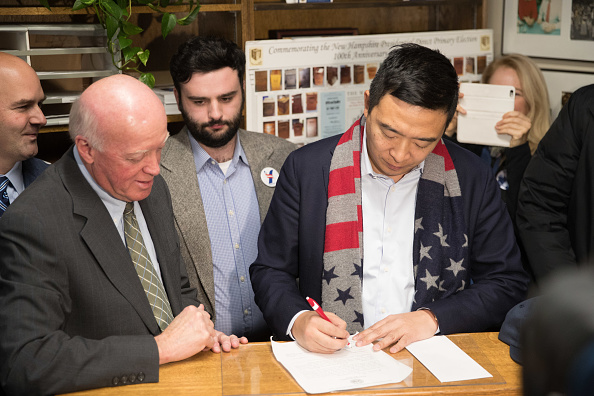 Scott Eisen「Presidential Candidate Andrew Yang Files Paperwork For New Hampshire Primary」:写真・画像(5)[壁紙.com]