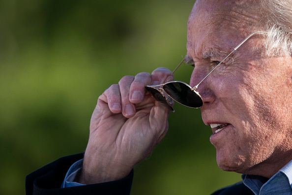 Sunglasses「Joe Biden Campaigns In Western Pennsylvania One Day Before Election」:写真・画像(18)[壁紙.com]