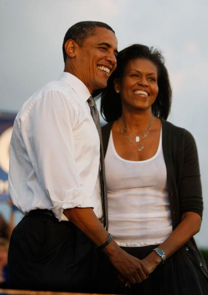 Couple - Relationship「Barack Obama Campaigns Weeks From Election Day」:写真・画像(8)[壁紙.com]
