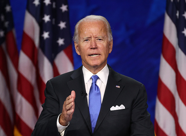 カメラ目線「Joe Biden Accepts Party's Nomination For President In Delaware During Virtual DNC」:写真・画像(13)[壁紙.com]