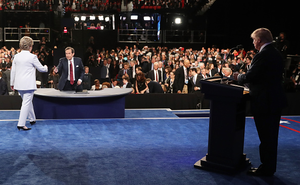 Fox Photos「Final Presidential Debate Between Hillary Clinton And Donald Trump Held In Las Vegas」:写真・画像(17)[壁紙.com]