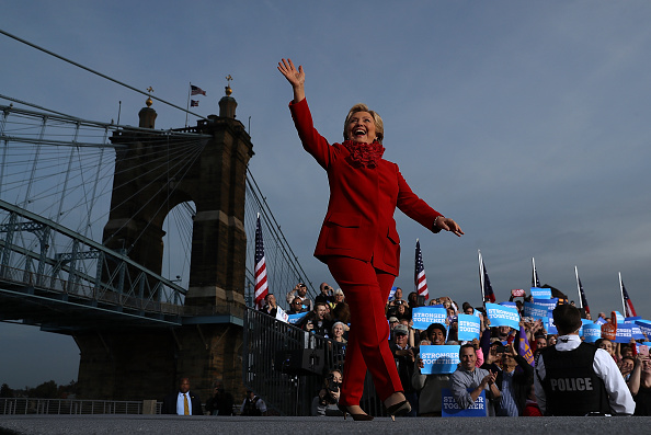 Justin Sullivan「Hillary Clinton Campaigns In Ohio Ahead Of Election」:写真・画像(11)[壁紙.com]