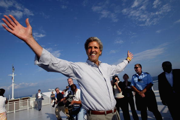 Great Lakes「Kerry Campaigns In Michigan」:写真・画像(10)[壁紙.com]