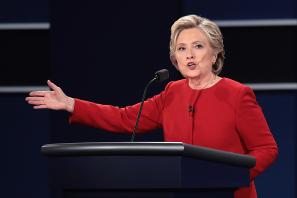 US Democratic Party 2016 Presidential Candidate「Hillary Clinton And Donald Trump Face Off In First Presidential Debate At Hofstra University」:写真・画像(12)[壁紙.com]