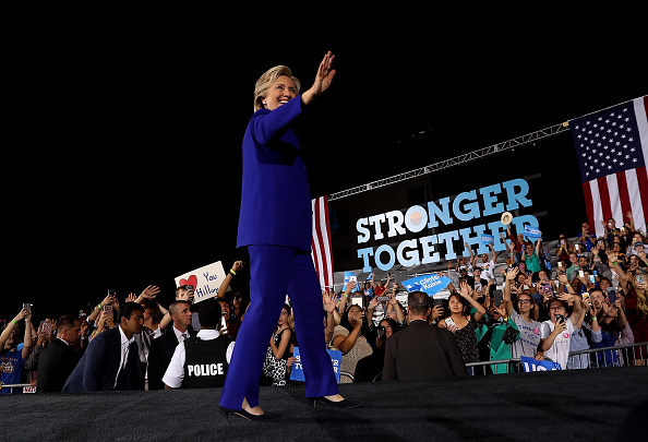 Tempe - Arizona「Democratic Presidential Nominee Hillary Clinton Campaigns In Nevada And Arizona」:写真・画像(6)[壁紙.com]