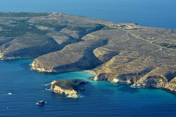 Transportation Event「Aerial Views of the Italian Island of Lampedusa After Migrant Boat Sinking」:写真・画像(0)[壁紙.com]