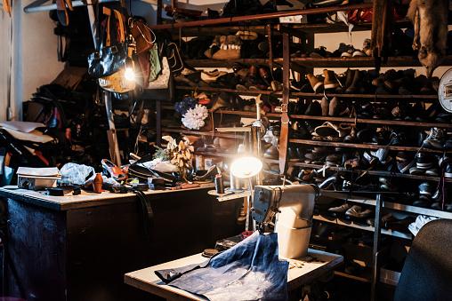 Shoe Store「Cobblers shop」:スマホ壁紙(14)