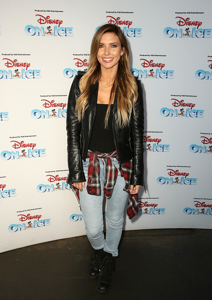 Leather Jacket「Disney On Ice Presents Mickey's Search Party Holiday Celebrity Skating Event」:写真・画像(6)[壁紙.com]