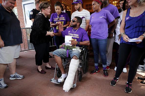 アメリカ合州国「Memorial Held In Charlottesville For Heather Heyer, Victim Of Car Ramming Incident During Protest After White Supremacists' Rally」:写真・画像(2)[壁紙.com]