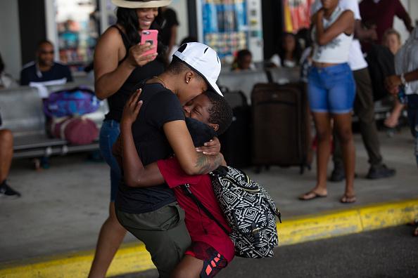 West Palm Beach「Bahamian Refugees From Hurricane Dorian Arrive In Florida」:写真・画像(6)[壁紙.com]