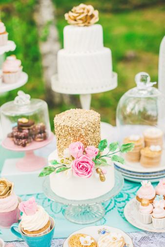 結婚「最も美しいウェディングケーキのデザートテーブル」:スマホ壁紙(3)