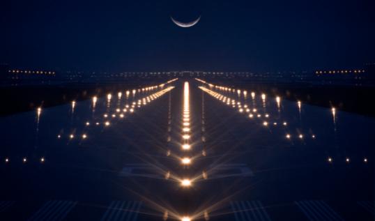 Moon「Canada, Ontario, Toronto, airport, illuminated runway, dusk」:スマホ壁紙(16)