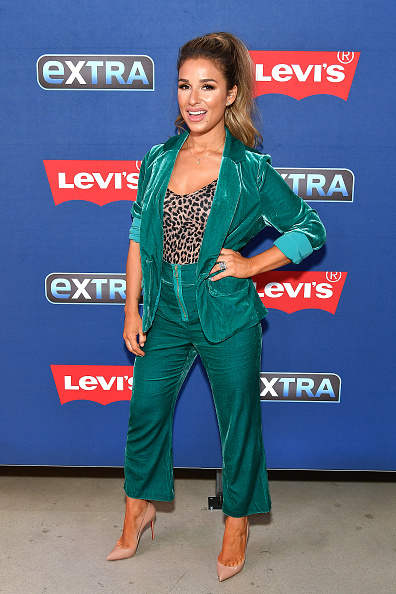 "Visit「Jessie James Decker Visits ""Extra""」:写真・画像(10)[壁紙.com]"