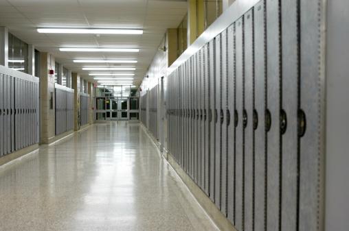 Locker「Empty School Hall」:スマホ壁紙(16)