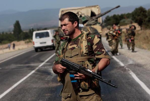 Russian Military「Russian Convoy Penetrates Into Georgian Territory」:写真・画像(17)[壁紙.com]