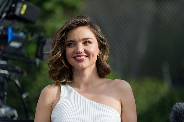 Miranda Kerr「Buick Pee Wee Commercial with Cam Newton and Miranda Kerr for 2017 Super Bowl」:写真・画像(14)[壁紙.com]