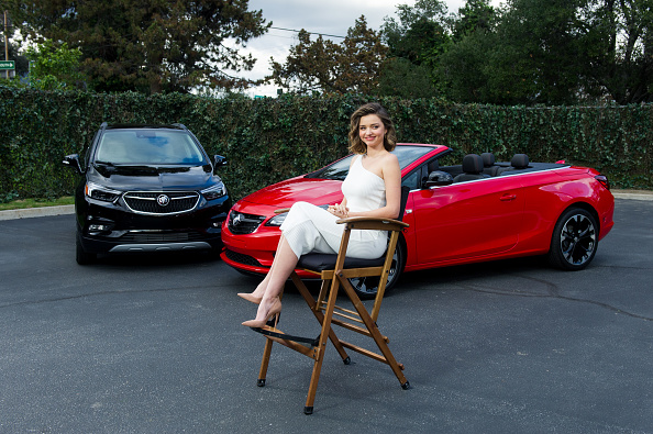 Miranda Kerr「Buick Pee Wee Commercial with Cam Newton and Miranda Kerr for 2017 Super Bowl」:写真・画像(5)[壁紙.com]