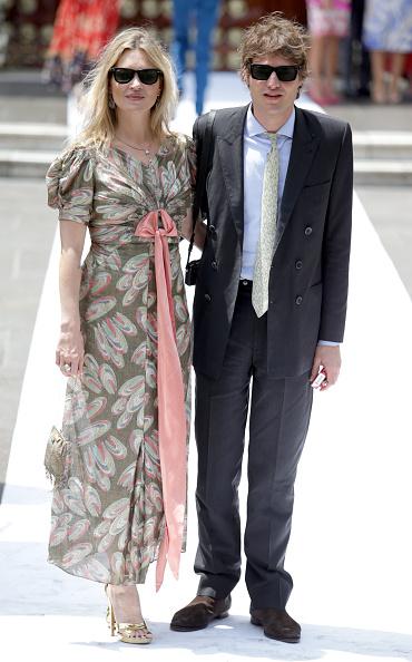 Kate Moss「Wedding of Prince Christian of Hanover and Alessandra de Osma in Lima」:写真・画像(4)[壁紙.com]