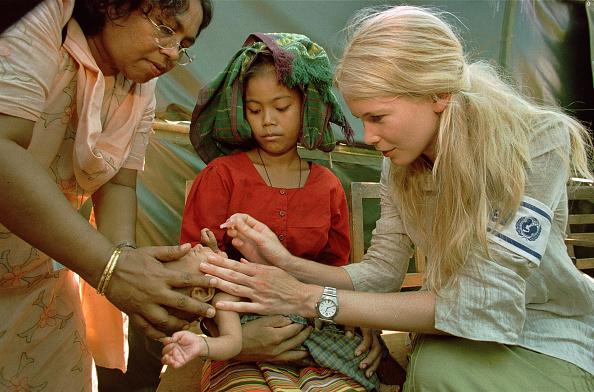 UNICEF「Claudia Schiffer in Bangladesh for UNICEF」:写真・画像(14)[壁紙.com]